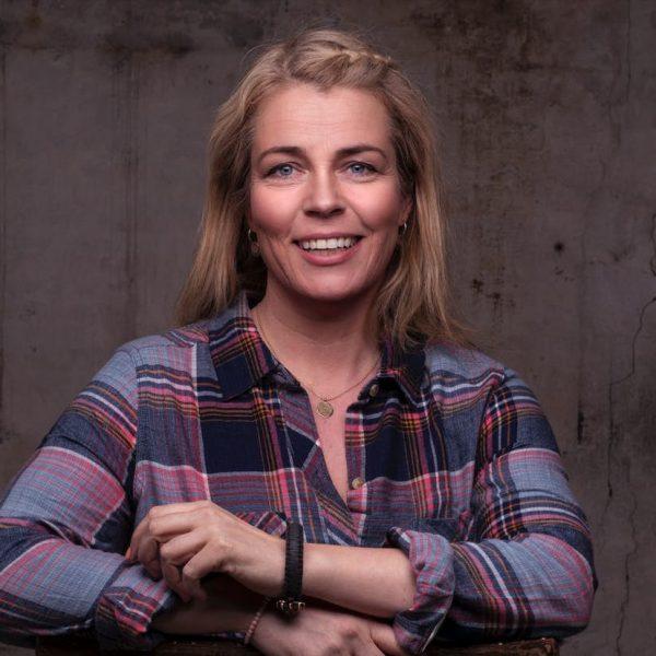 Forfatter, coach, udnerviser og stifter af kursusvirksomheden Mindjuice Academy og non-profit enheden Unge Akademiet.